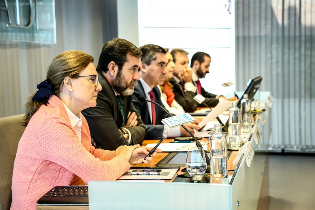 La mesa redonda del Foro RRHH escucha las intervenciones de los profesionales de RRHH