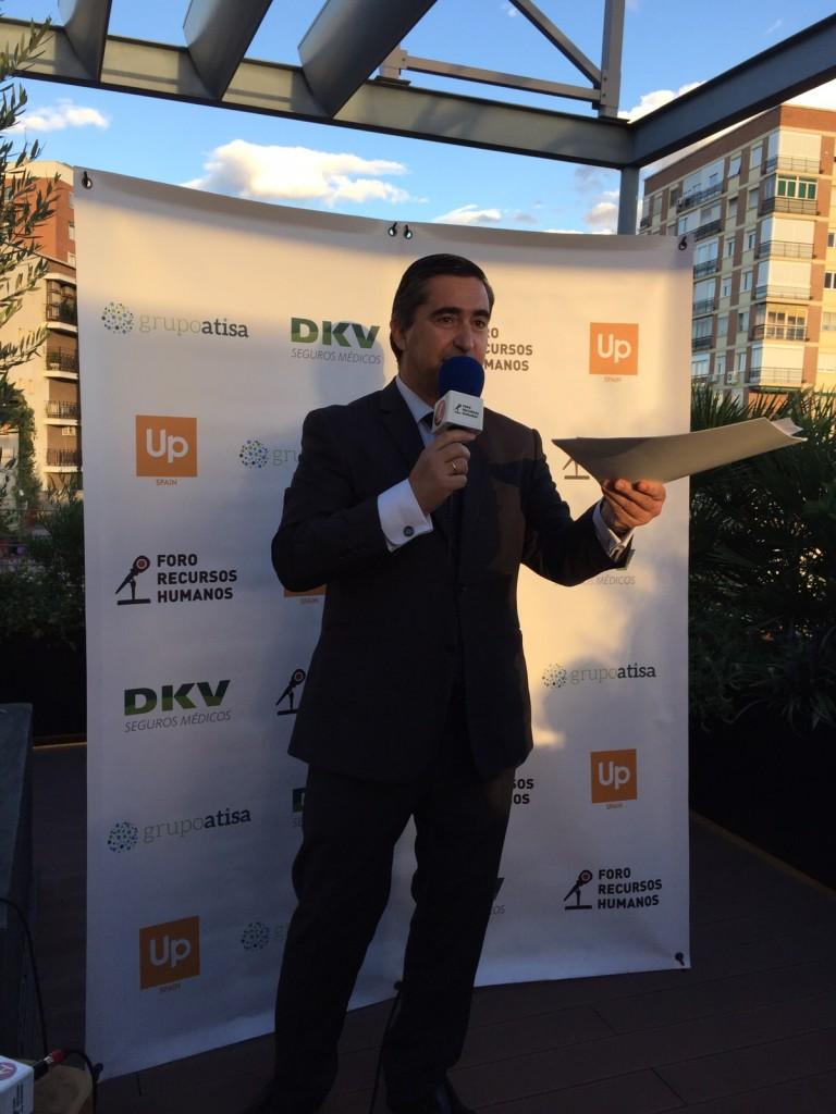 Francisco Garcia Cabello se dirige a los invitados