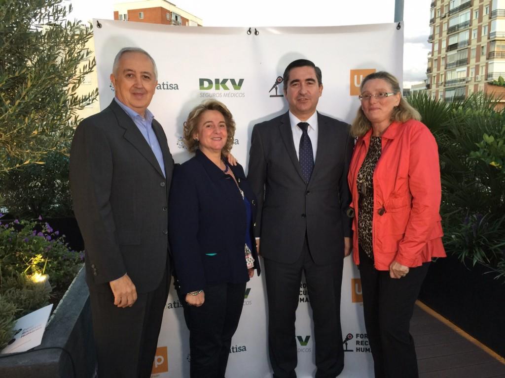 Jenaro Guillén, Consejero Delegado de Bitam, Maribel Jiménez, de Defix (Sepi), y Agueda Quesada, Directora de RRHH de Hoteles Intercontinental