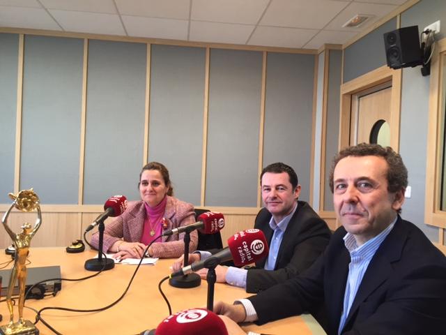 Cristina Hernández, Michael Harvey y Juan Manuel Martín