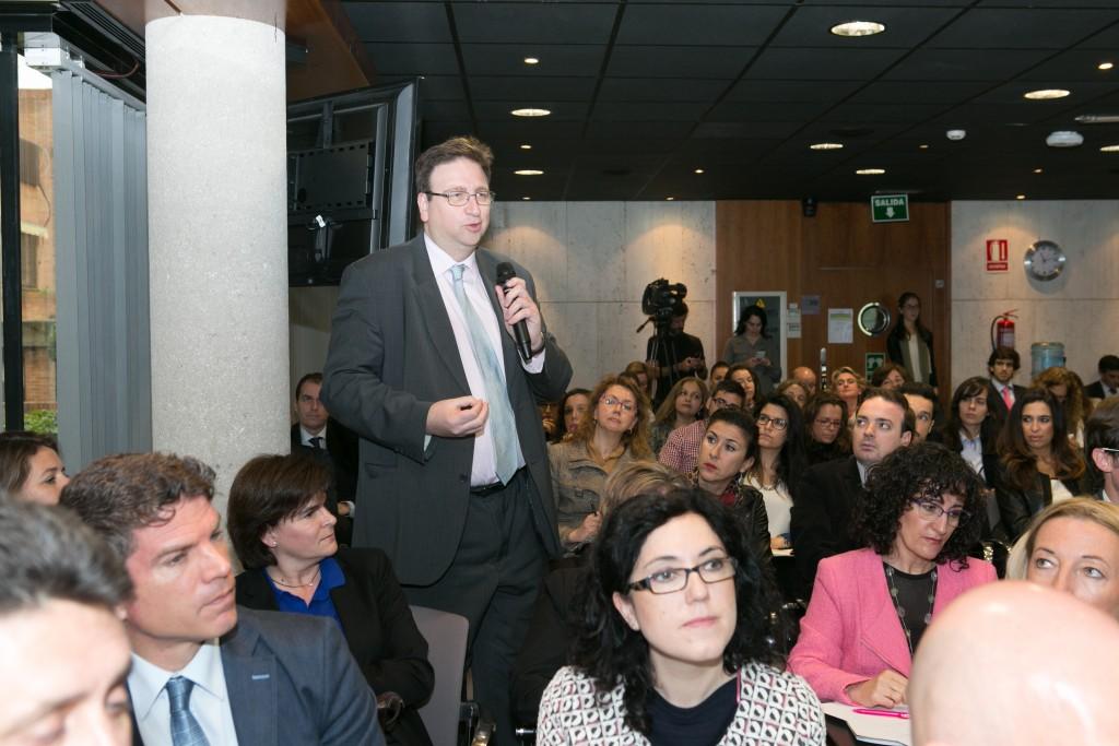 Antonio Burgueño, Secretario General de la Fundación Economía y Salud, cerró el turno de preguntas