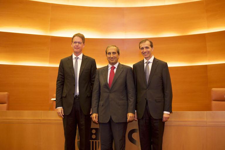 Franz Heukamp, director general del IESE; Alfonso Sánchez- Tabernero, rector de la Universidad de Navarra y Jordi Canals, ex director del IESE