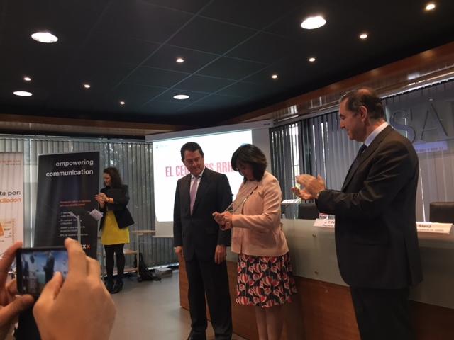 Rosa García recoge el premio CEO - DCH