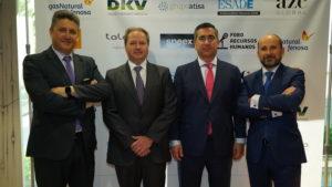 El equipo de Gas Natural Fenosa con el fundador del Foro RRHH