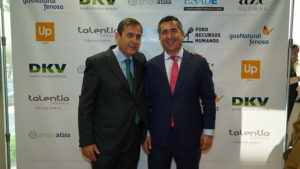 José Antonio González, Director de Relaciones Laborales en Hewlett-Packard y Presidente del Club de Dirección de Personas y Organización de ESADE-Madrid, con el fundador del Foro RRHH